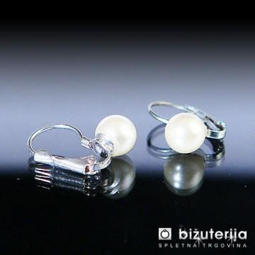 WHITE PEARLS Vtični ženski uhani 8 mm UV-202
